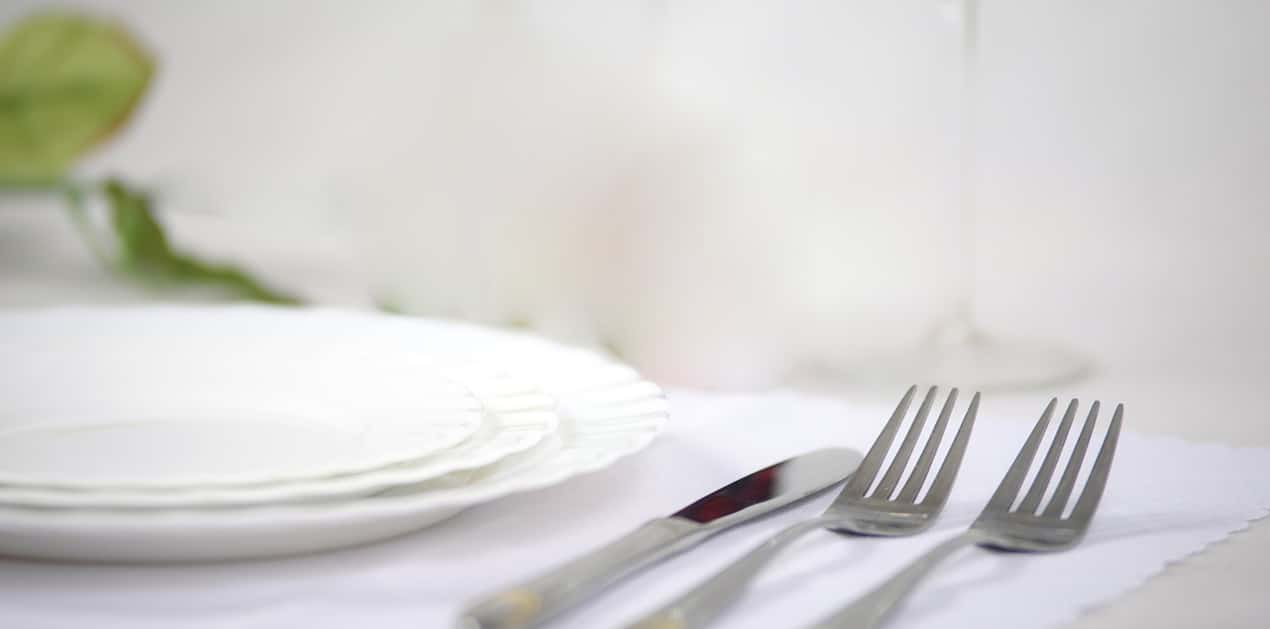mesa-con-rosa-1270x630